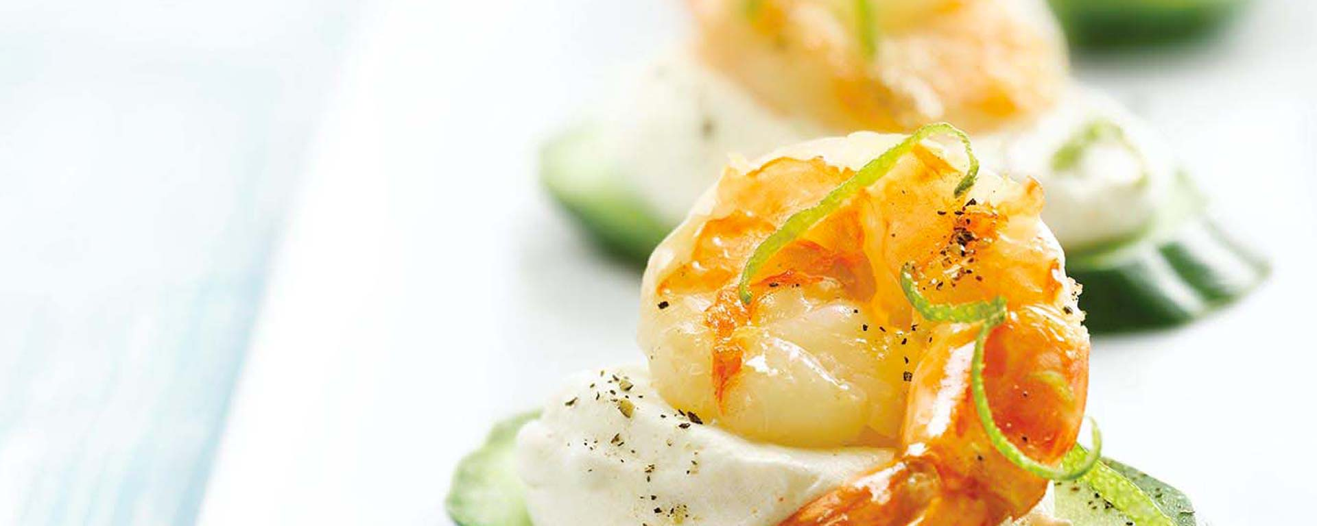Photo for - Jumbo Shrimp Canapés with Chili Lime Cream