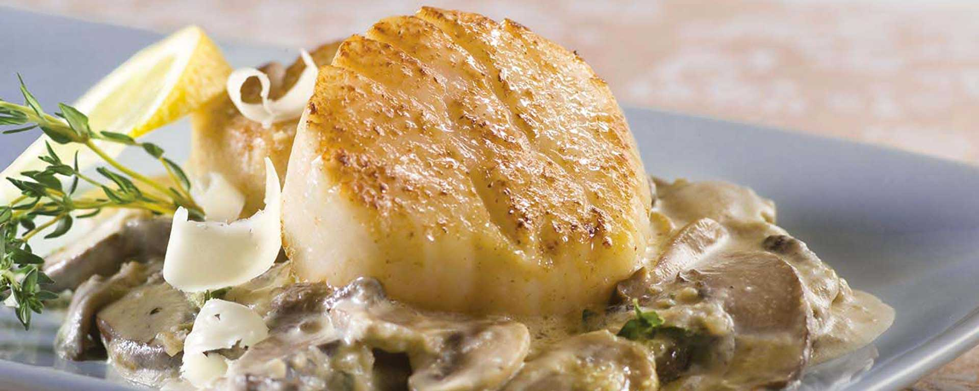 Photo for - Scallops with Wild Mushrooms and Canadian Whiskey Cream