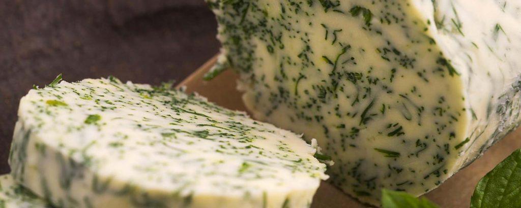 Beurre au fromage bleu et à la ciboulette