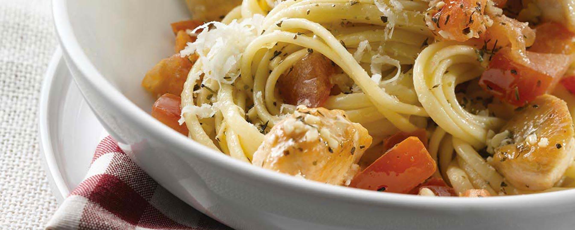 Photo for - Sauce pomodoro avec poulet et linguine