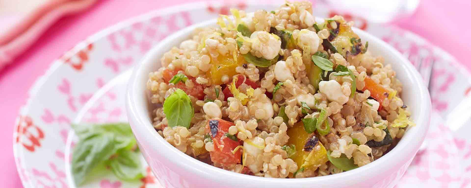 Photo for - Salade au quinoa avec légumes grillés et fromage cottage
