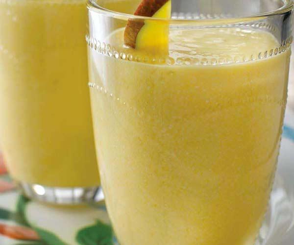 Photo of - Smoothie de mangues en folie