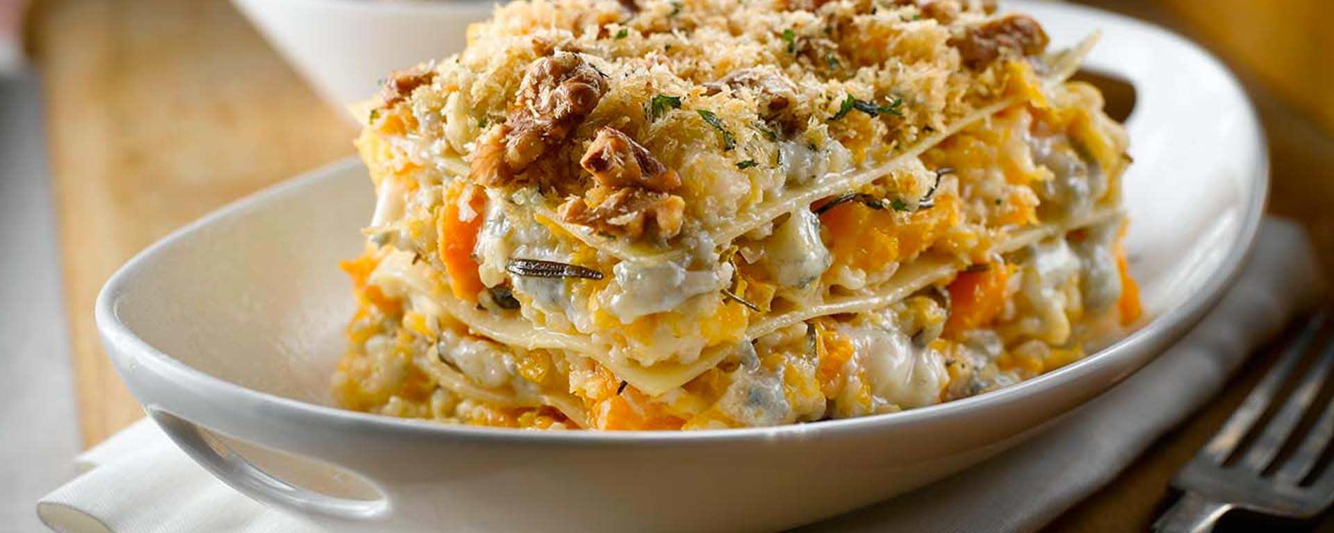 Photo for - Lasagne à la courge musquée rôtie avec gorgonzola
