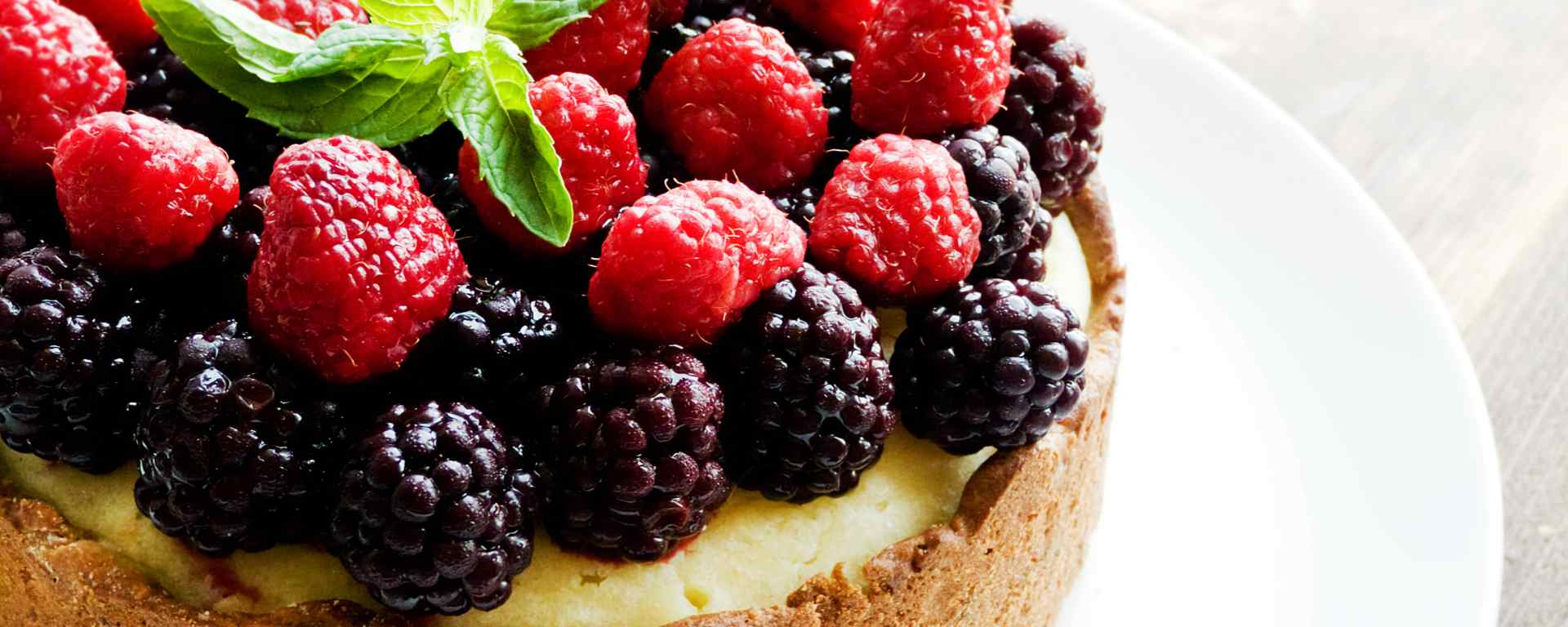 Photo for - Sour Cream Berry Cake