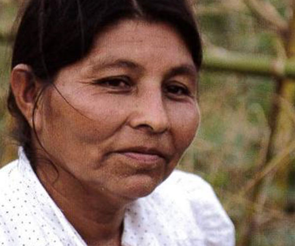 El Salvadorian woman