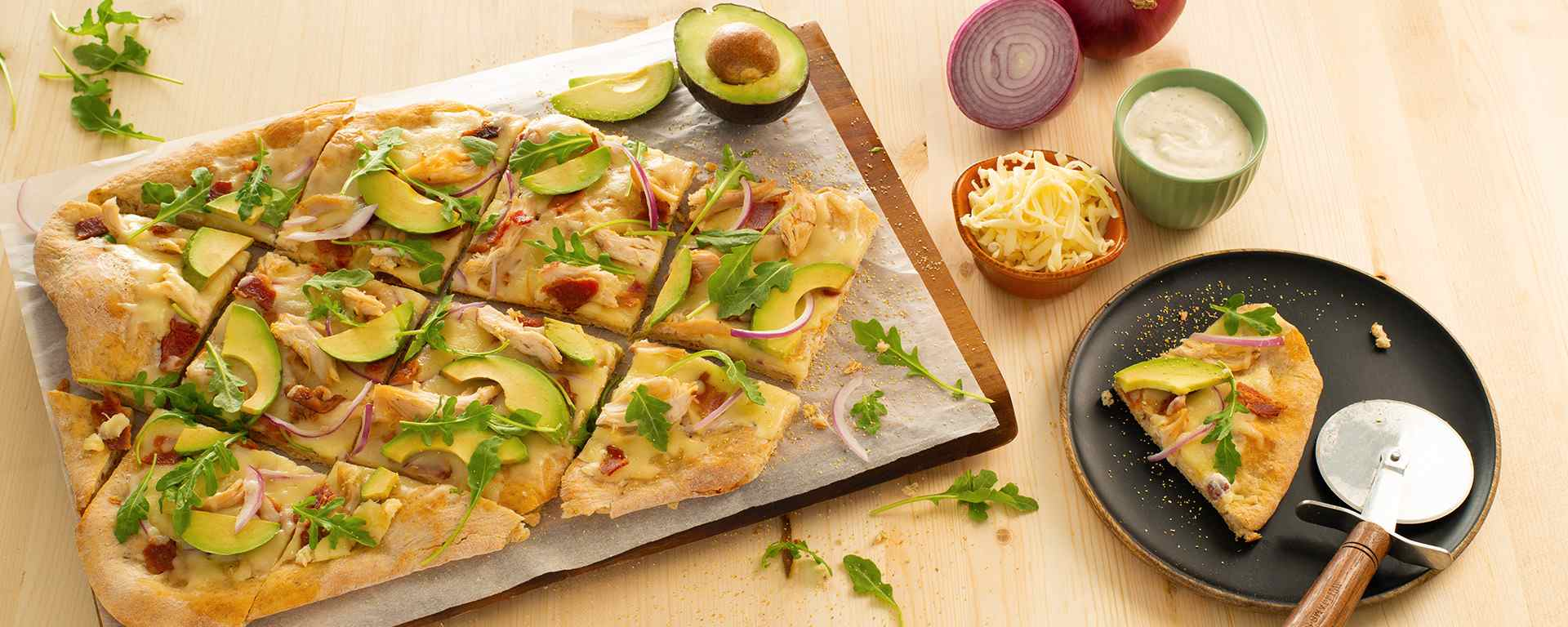 Photo for - California Chicken and Bacon Flatbread with Avocado