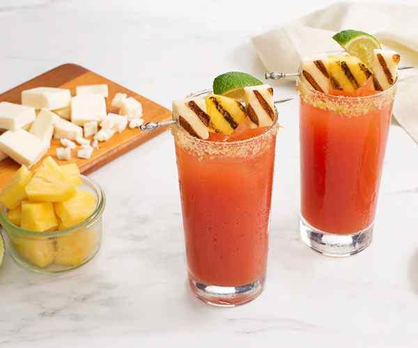 Photo of - Bloody Caesar à l'ananas avec halloumi grillé