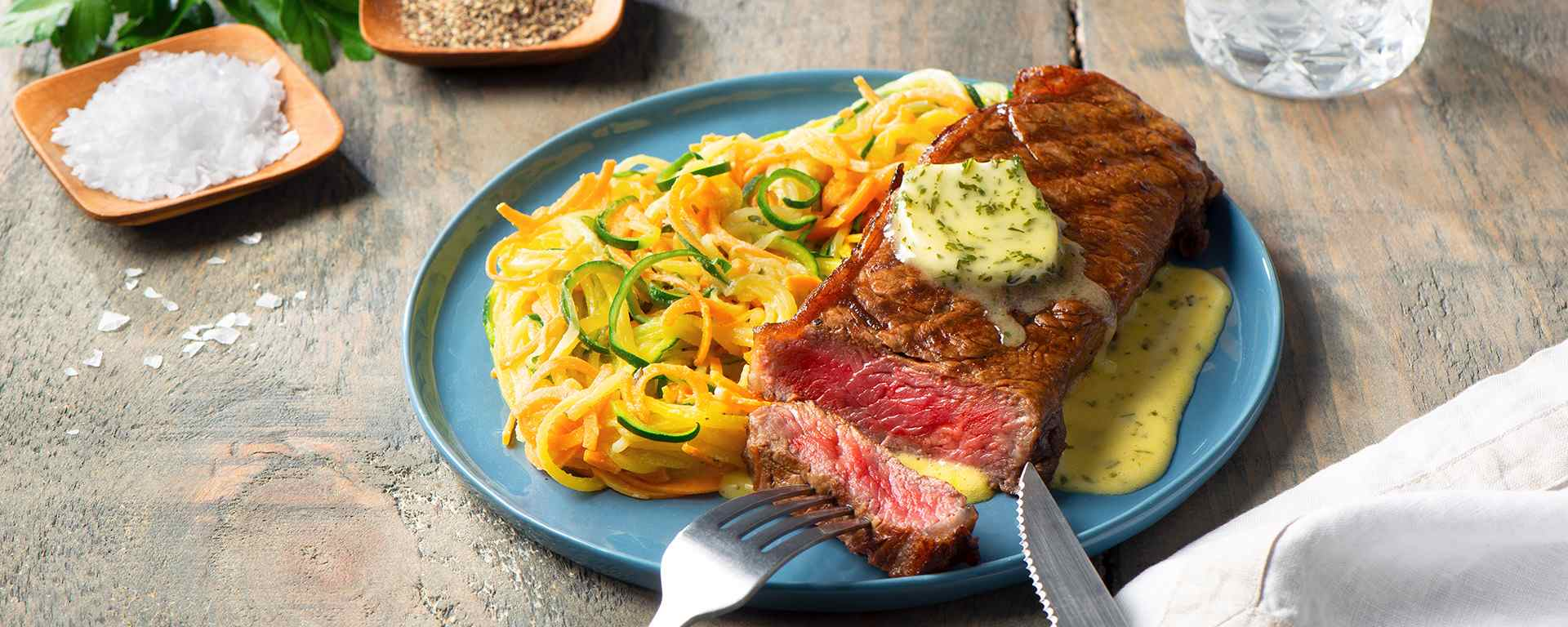 Photo for - Grilled NY Steak with Garlic Parsley Béarnaise Sauce