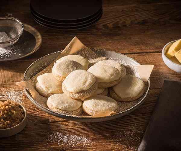 Photo of - Biscuits sucrés crème brûlée